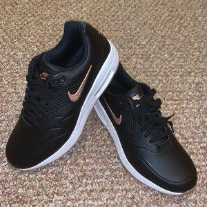 *New* Women Nike Air Max 1 Golf Shoes